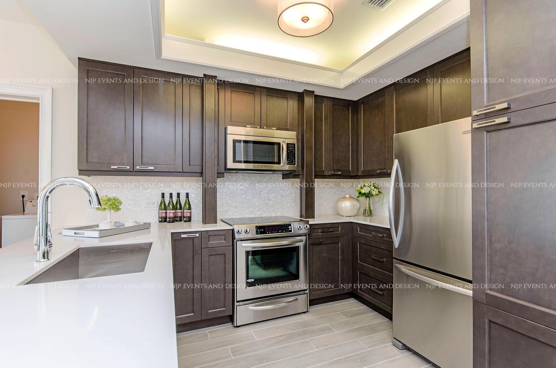 302 Kitchen.jpg