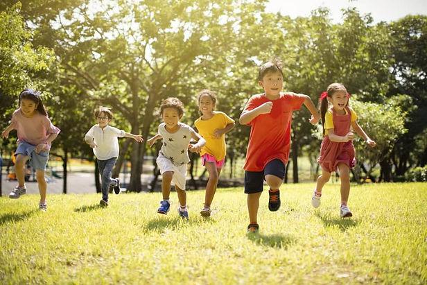 kids-running-outdoors-989x660.jpg