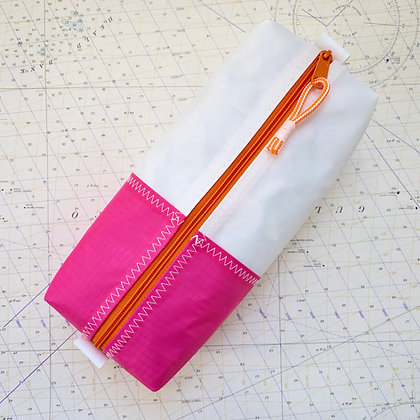 Medium Recycled Sail Dopp Kit - With Pink
