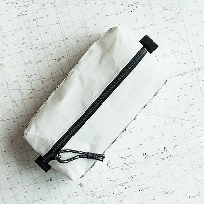 Medium Recycled Sail Dopp Kit - with black diamond