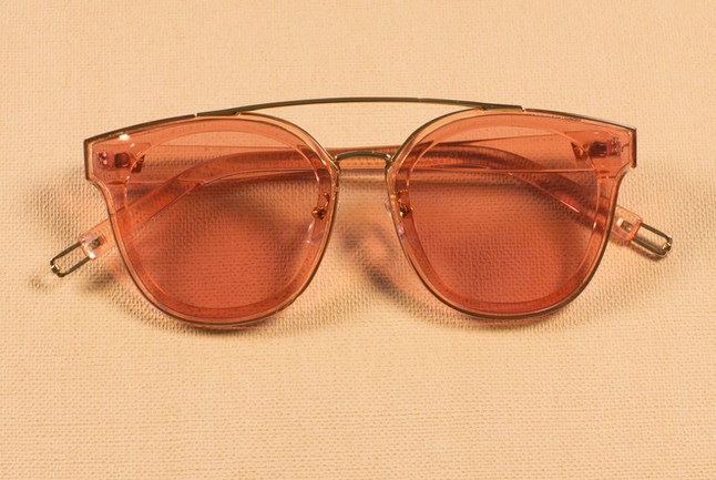 Lennon Peach