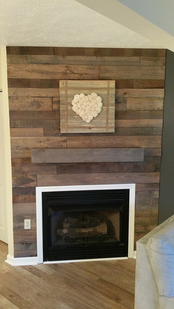 Rough Cut accent with mantle