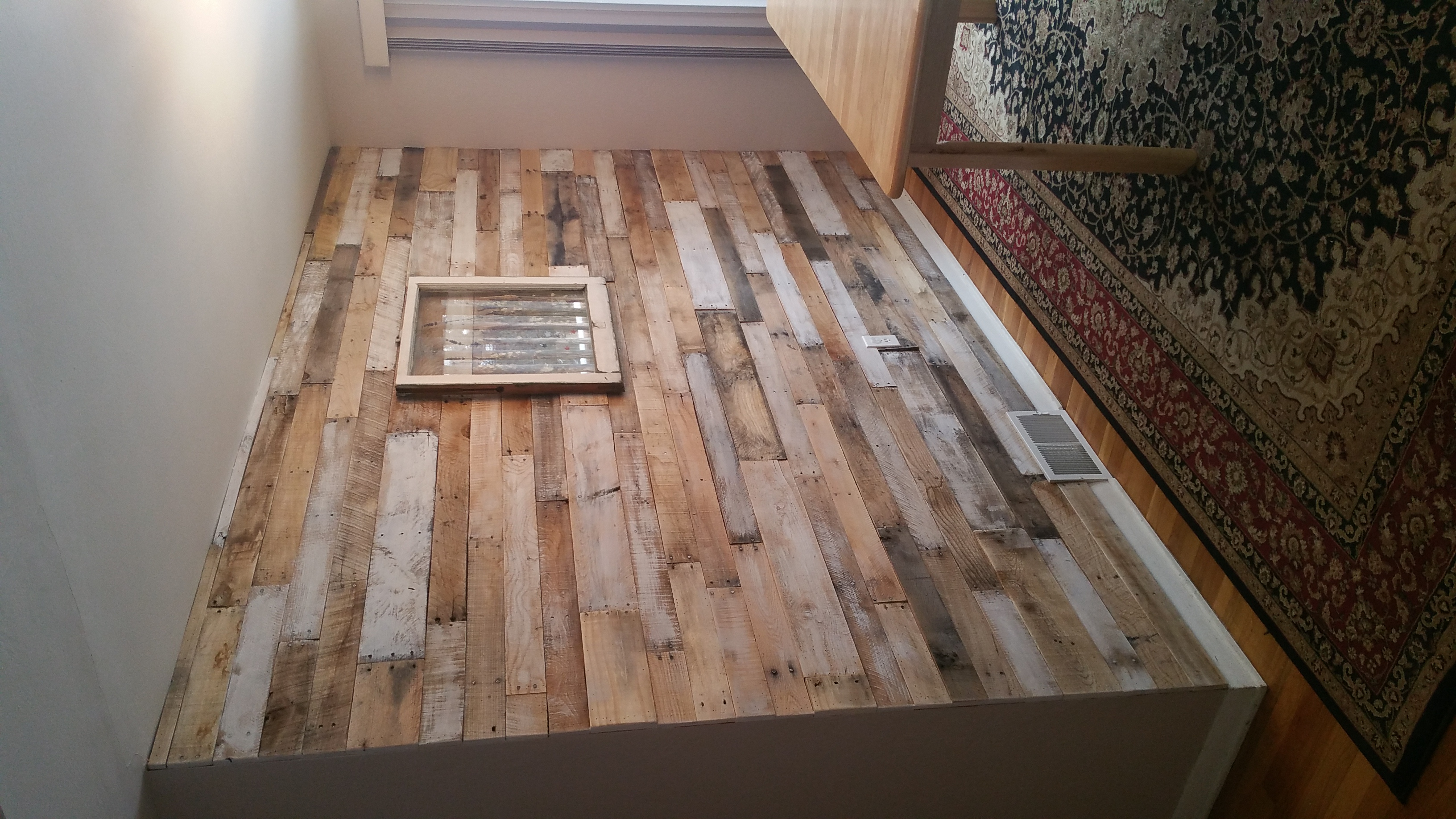 Rustic Pallet Wall with white