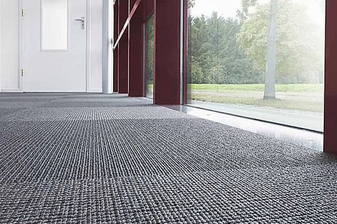 Revêtement de sols avec tapis