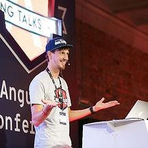 rxjs_speaker_dominic_elm.jpg