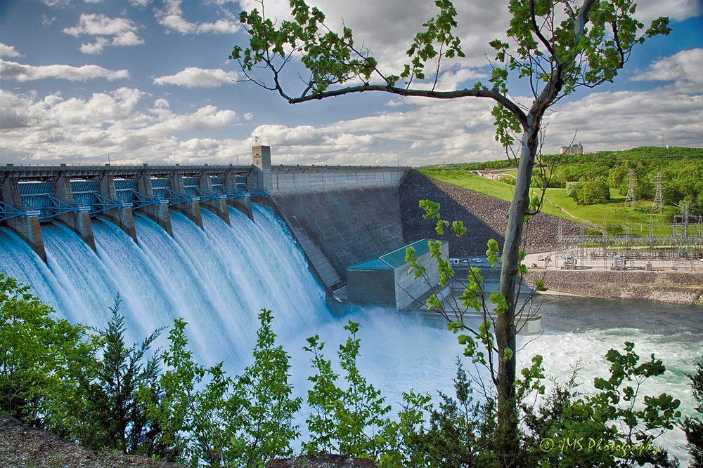 Table Rock Dam with all the lochs open