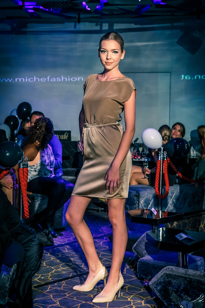 TL 2016-12-10 miche FASHION Show 037
