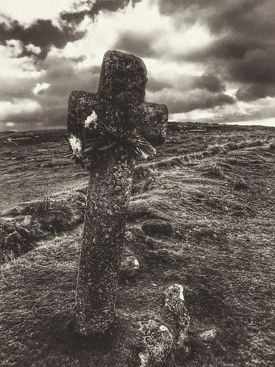 Dartmoor cross 2.jpg