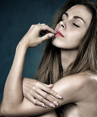 Morderse las uñas, el peligro que acecha a tus dientes