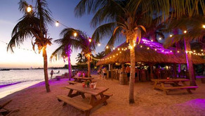 OH: Lounge-club on the beach: two versions for daytime and evening
