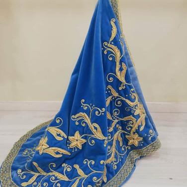 manto-bordado-azul.jpg