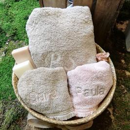 toallas-nombres-bordados.jpg