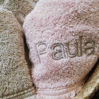 nombre-bordado-en-toalla.jpg