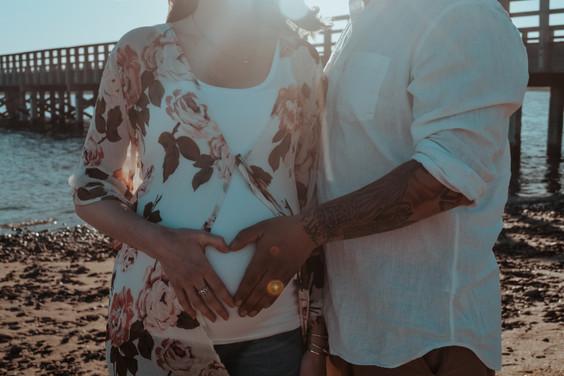 couple, maternity, coastal maternity, summer maternity, lighthouse maternity, beach maternity, plymouth maternity, cape cod, coastal love, massachusetts maternity, boston maternity, cape cod maternity, couples portraits, maternity portraits, maternity candids, plymouth maternity, new england maternity, boudoir maternity, duxbury couple, duxbury photoshoot, duxbury beach, duxbury maternity