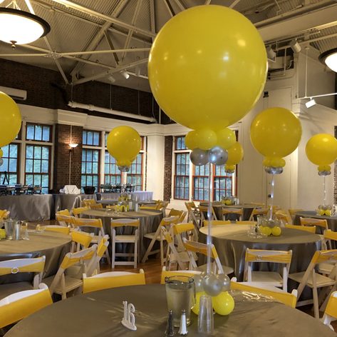 Large Topper Balloon Centerpiece