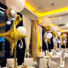 Elegant Specialty Balloon Centerpiece