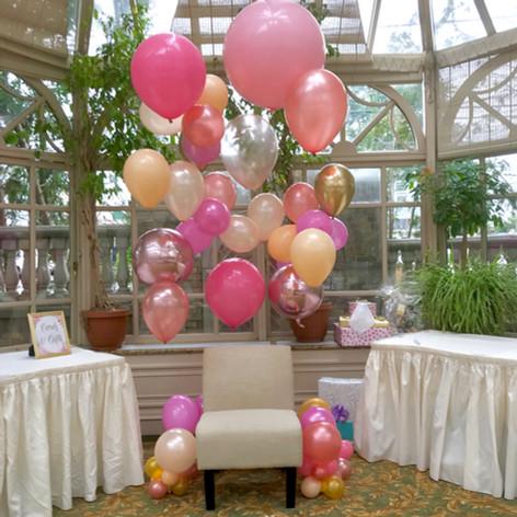Floating Organic Balloon Wall