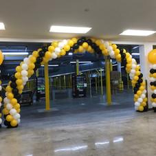 Amazon Balloon Arch & Columns
