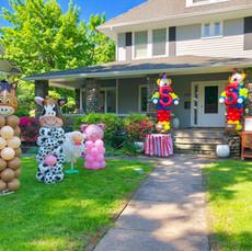 Farm Animals Balloon Columns