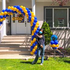 Spiral entrance balloon arch