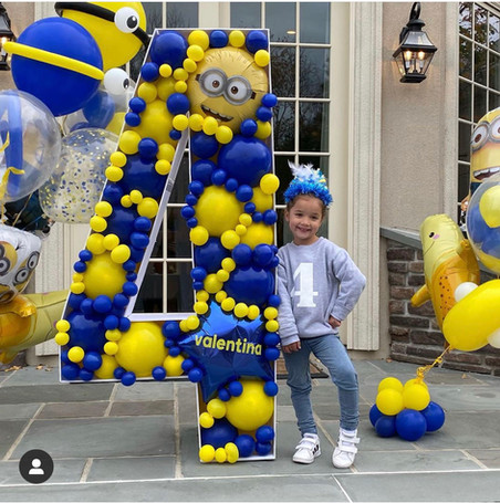 Minion Themed Balloon Mosaic 4
