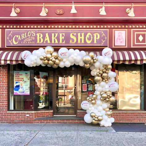 Carlos Bakery Balloon Garland Arch