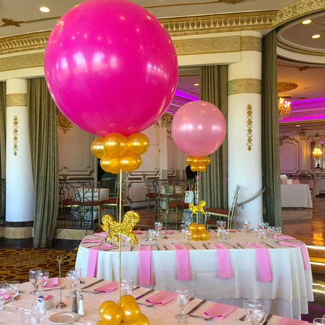 Carousel Balloon Centerpiece in Pink & Gold