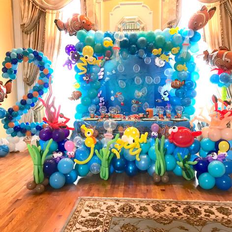 Finding Nemo Under the Sea Balloon Arch