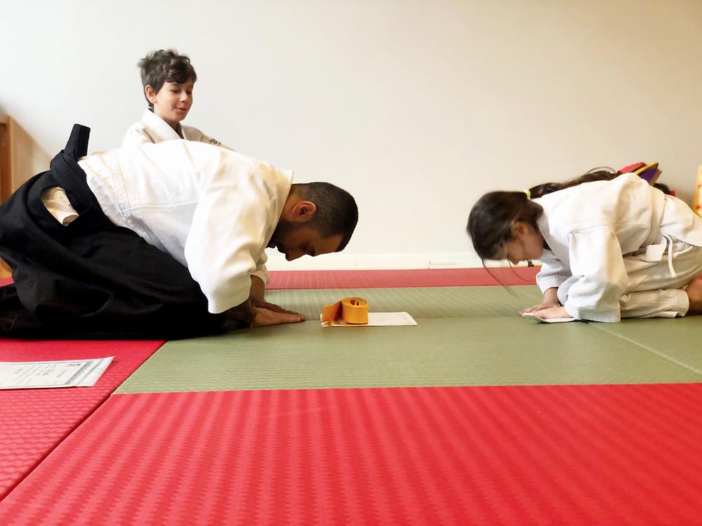 Aikido'da, selamlaşma saygının en güzel ifadesidir