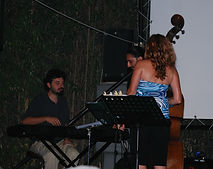 Julie & jazz band 3.JPG