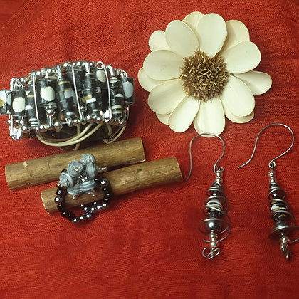 VM120 סט של צמיד, טבעת ועגילים