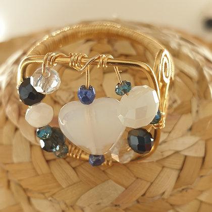 טבעת  עם חרוזי  אבן חן לבן VM385