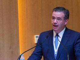 EU incrementa tasas de interés y prepara el terreno para que Díaz de León replique la acción
