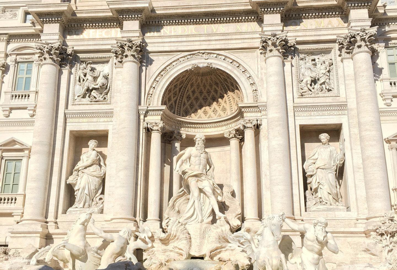 trevi-fountain-2355355_1920_edited.jpg