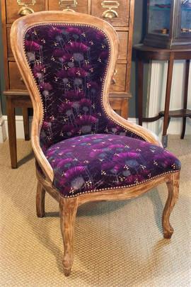 Bill's Bees Antique Velvet Chair