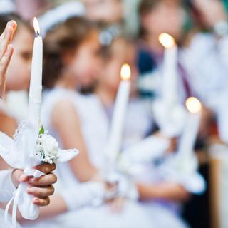 Las niñas en la primera comunión