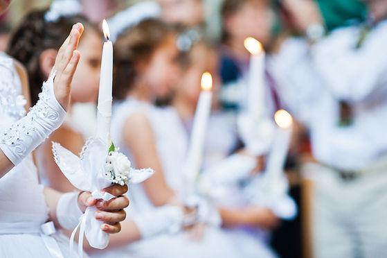 Les filles à la première communion