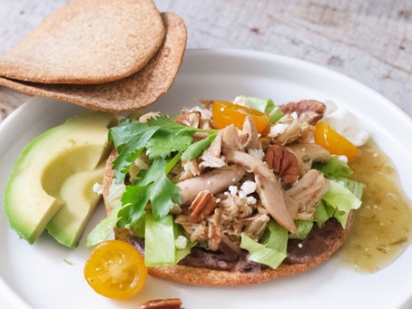 Aires de Campo tiene una receta keto de Tostadas de pollo
