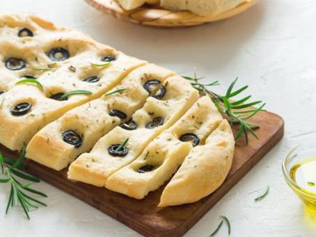 Cocina en familia un delicioso pan de aceite de oliva con aceitunas