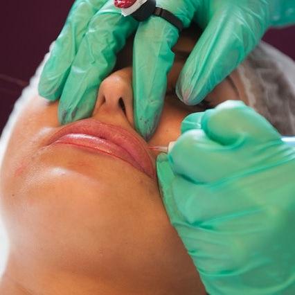 Lip tattooing/Lipblush