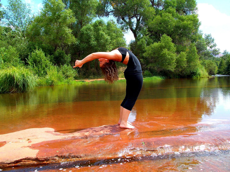 yoga-224643_1920.jpg