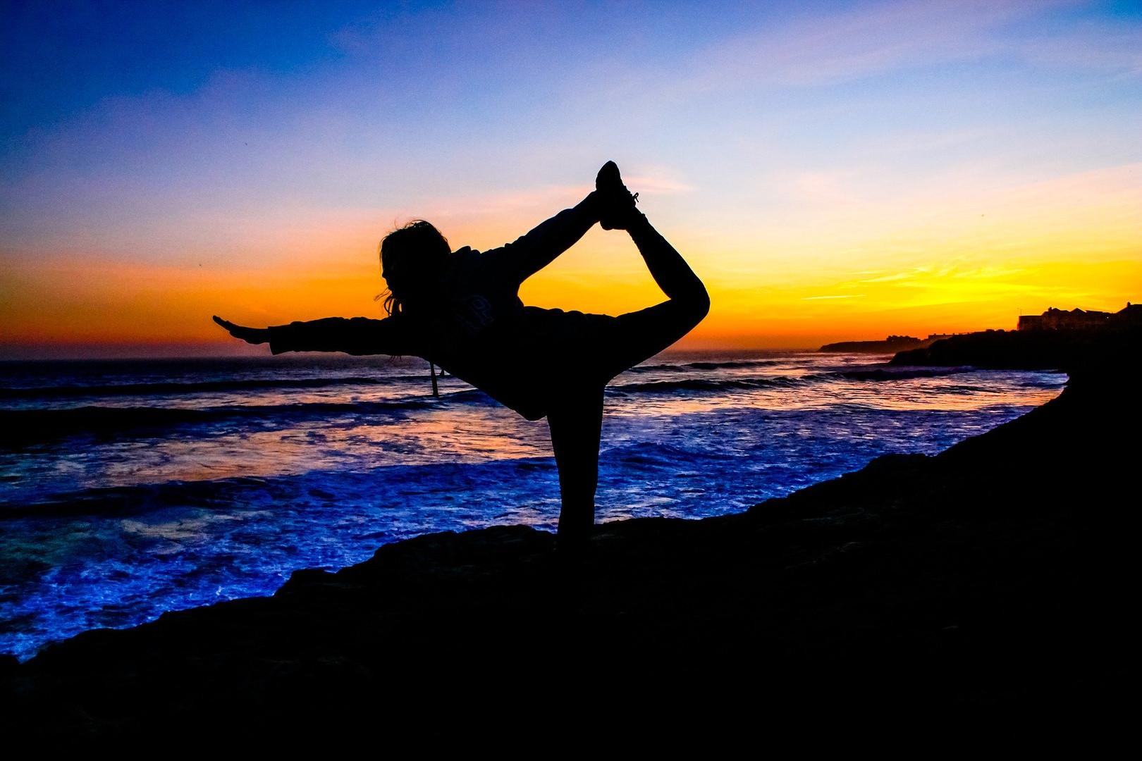 yoga-2184811_1920.jpg