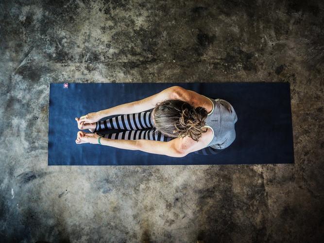 yoga-3088431_1920.jpg