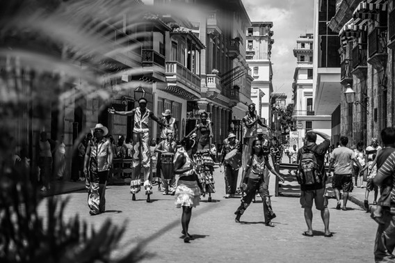 Street performers Havana Cuba