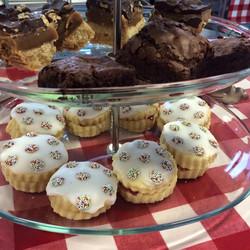 brownie empire cakes