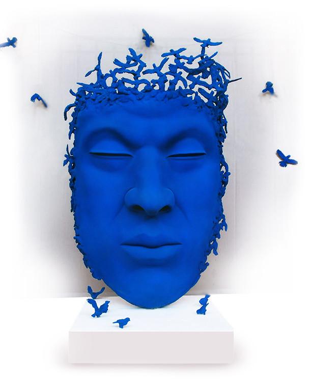 Penseur aux oiseaux bleu fond blanc.jpg