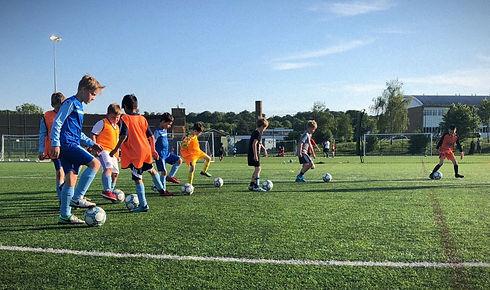Welwyn_Pegasus_Football_Training.jpg