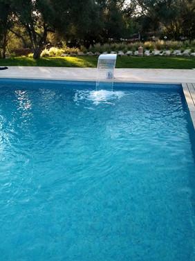 Pool cascade