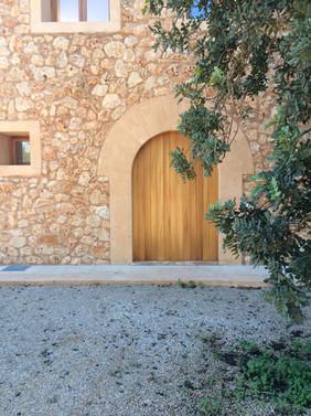 Front door of Los Hibiscus