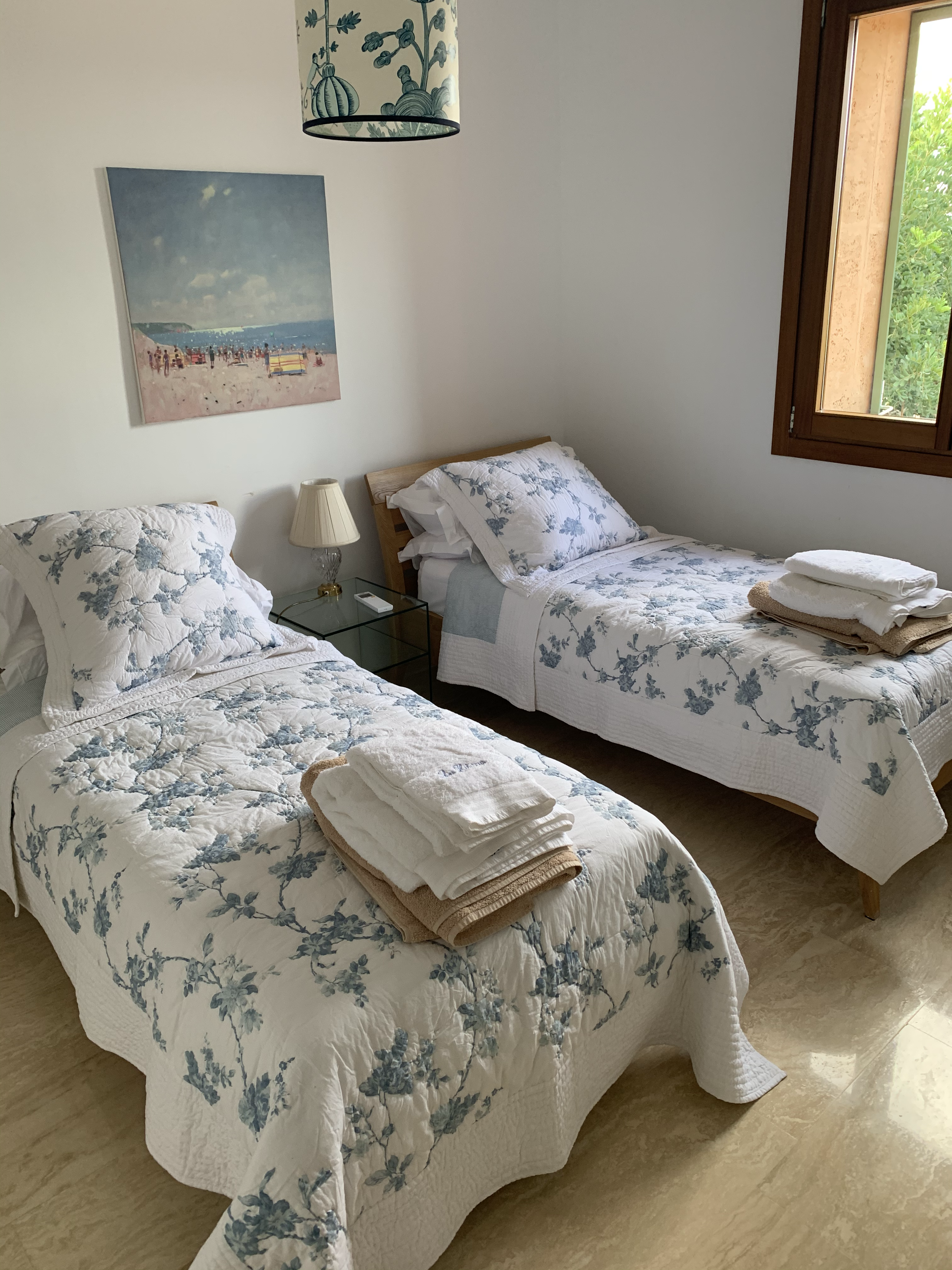 Double bedroom 4 with two single beds